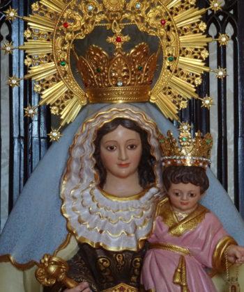 Statue Unserer Gekrönten Mutter von Palmar